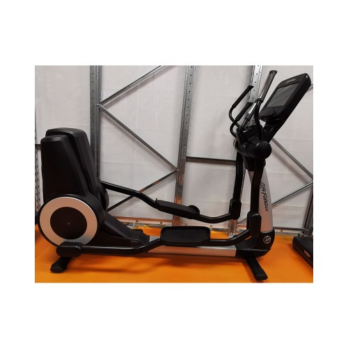 Pacchetto offerta Elevation Series SE Life Fitness con consolle 3 pz  - Wellness Outlet